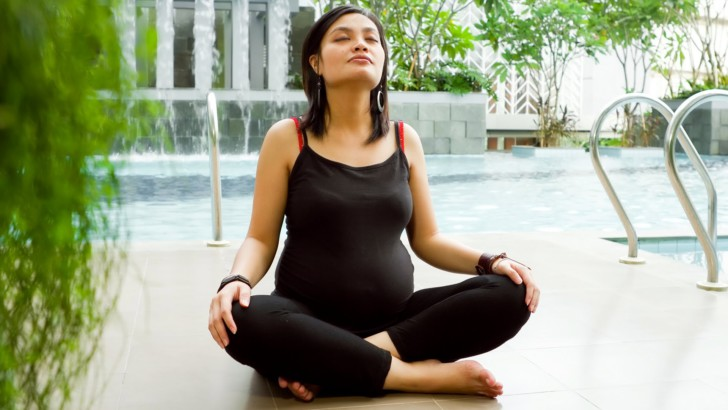 Йога для беременных (2 триместр): асаны в домашних условиях