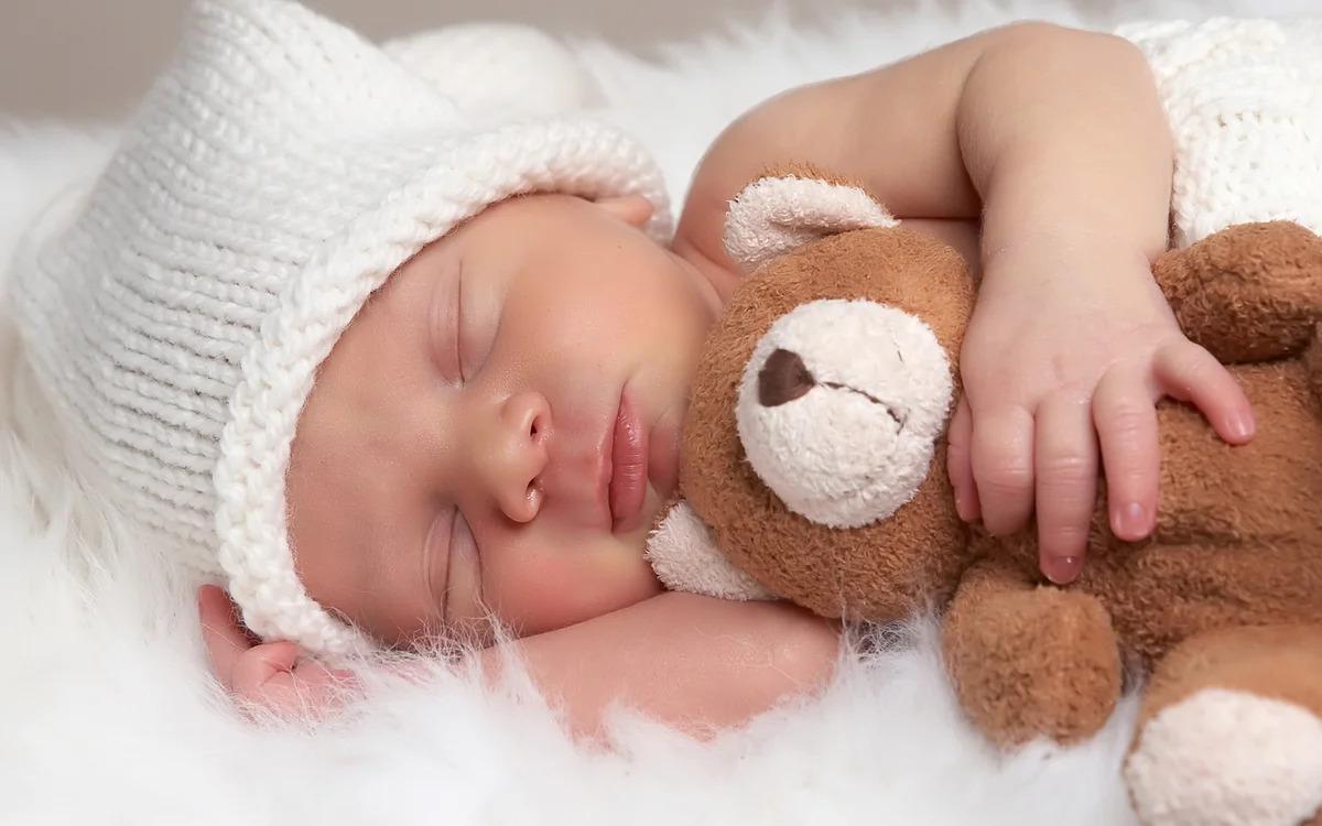 В чем заключена причина бессонницы младенцев?